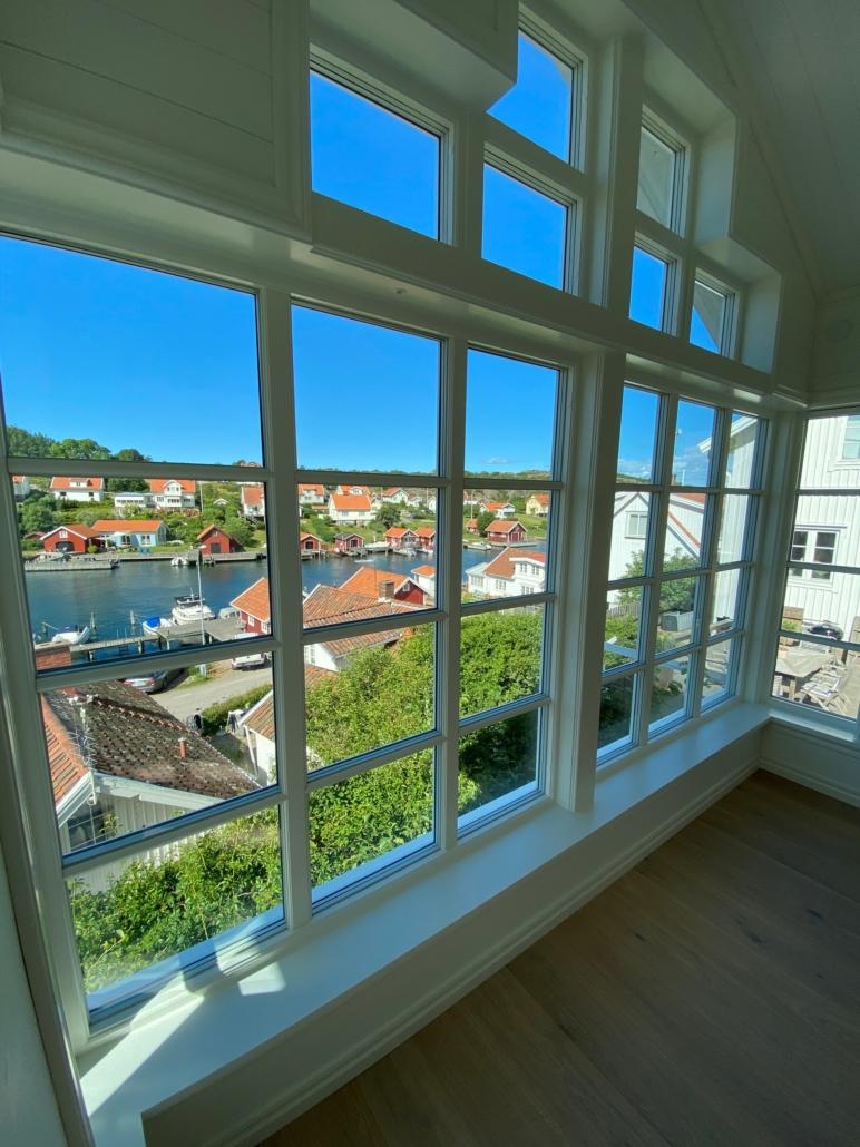 Underbar utsikt från underbart fönster